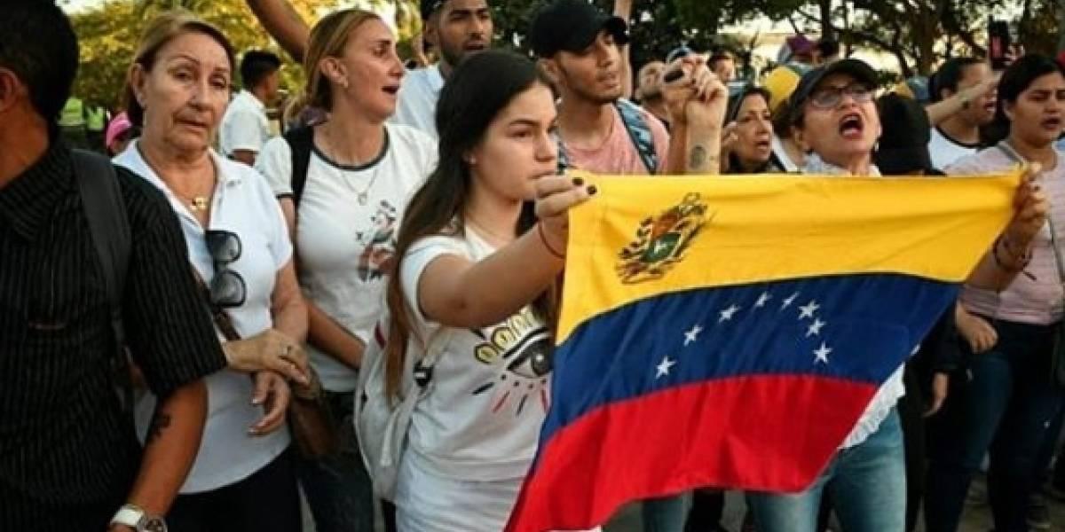 Exiliados venezolanos rechazan plan de elecciones que incluyan a Maduro