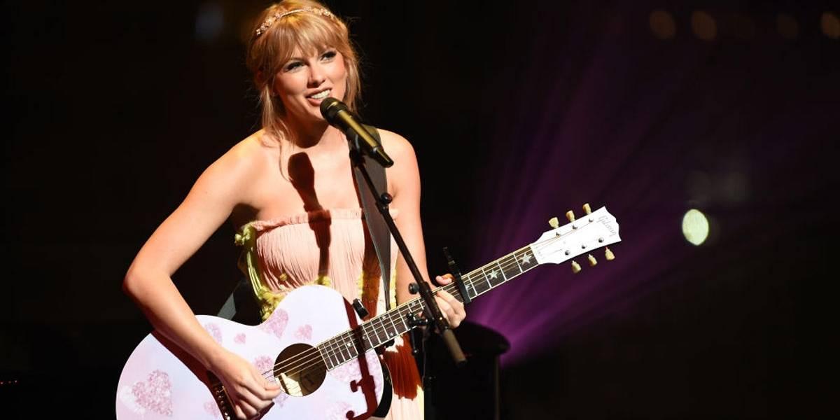 Taylor Swift diz que não acredita em 'felizes para sempre'