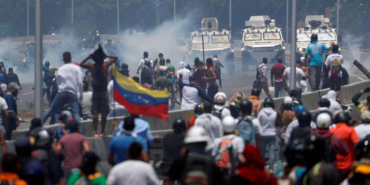 """Opositores foram para o """"tudo ou nada"""" na Venezuela, diz Mourão"""
