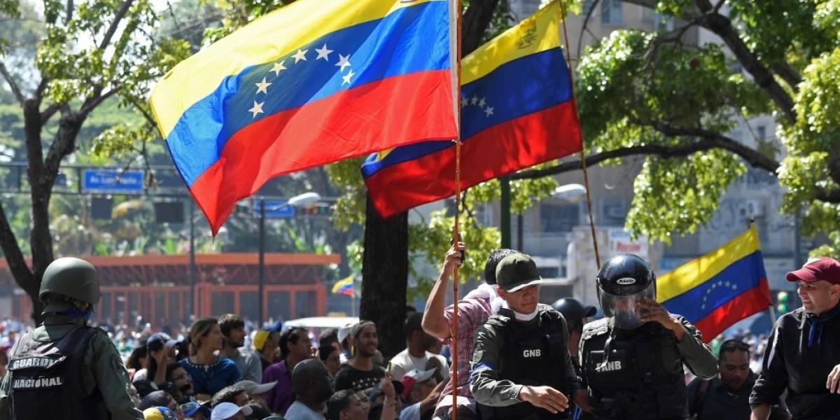 Venezuela: Gobierno saca del aire emisora radial y canales de televisión internacionales