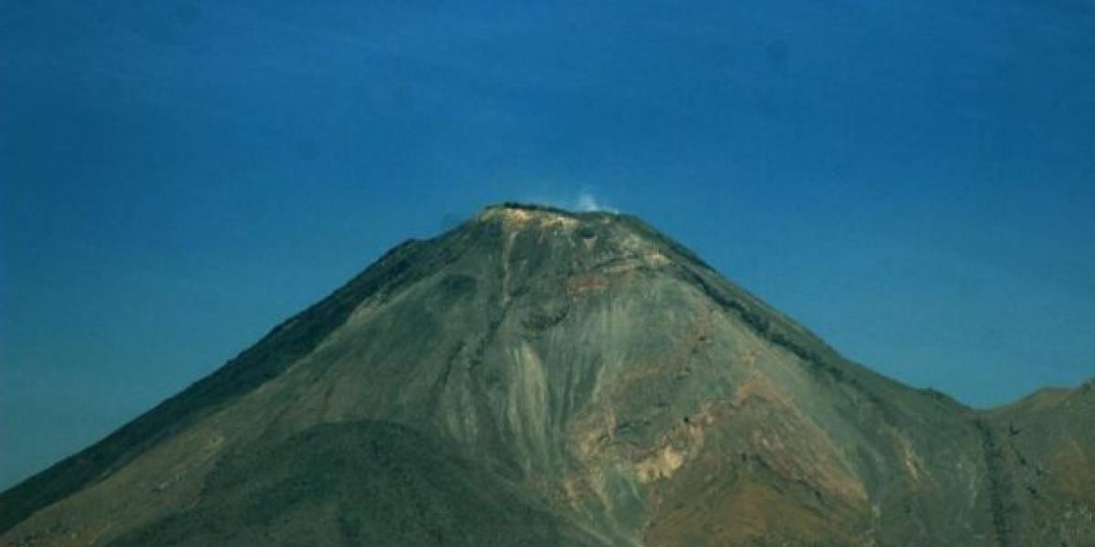 El Volcán de Colima en México comienza a tener actividad con riesgo de explosión