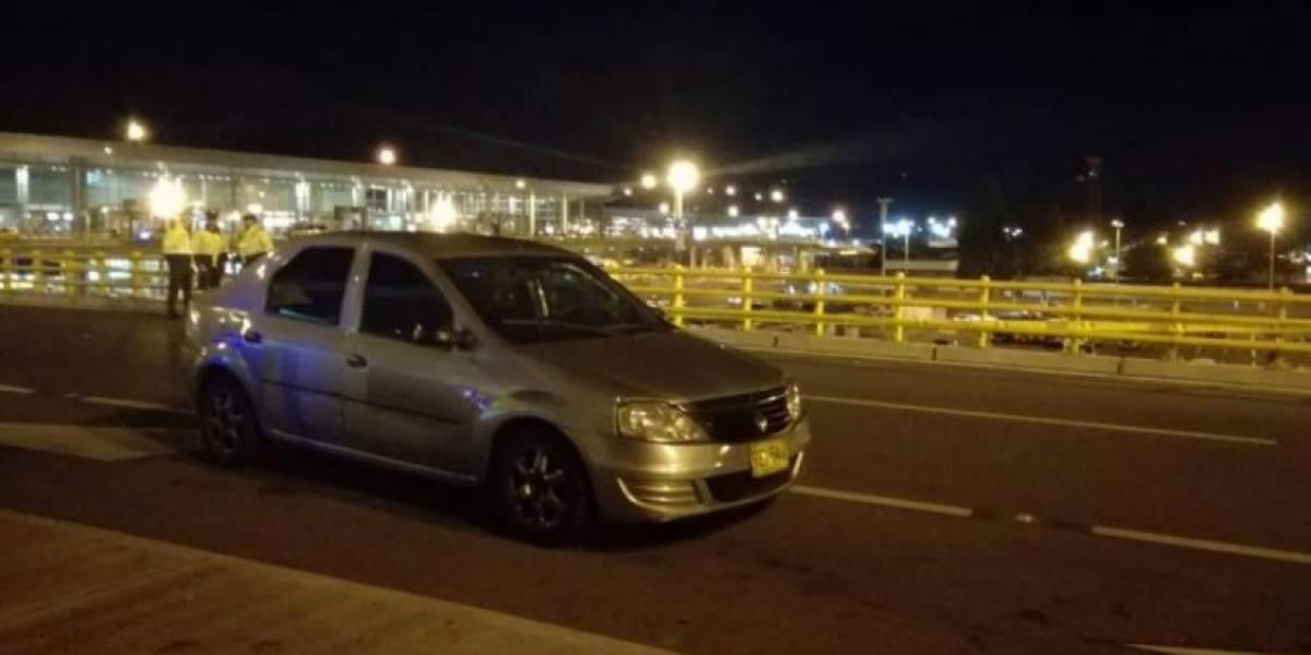 Policías le dispararon a conductor de Uber que recogía servicio en el aeropuerto El Dorado