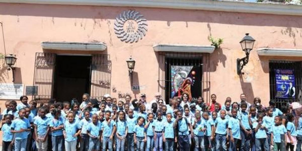 """""""La Feria del Libro"""" magnífica oportunidad para recorrer nuestra Zona"""