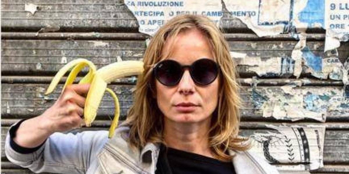Censura a obra de arte de plátano genera protestas