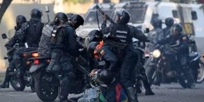 Disturbios fuertes en Caracas, Venezuela