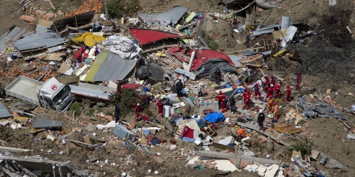Derrumbe en La Paz: colapso de cerro deja tres desaparecidos, 66 viviendas destruidas y al menos a 380 personas damnificadas