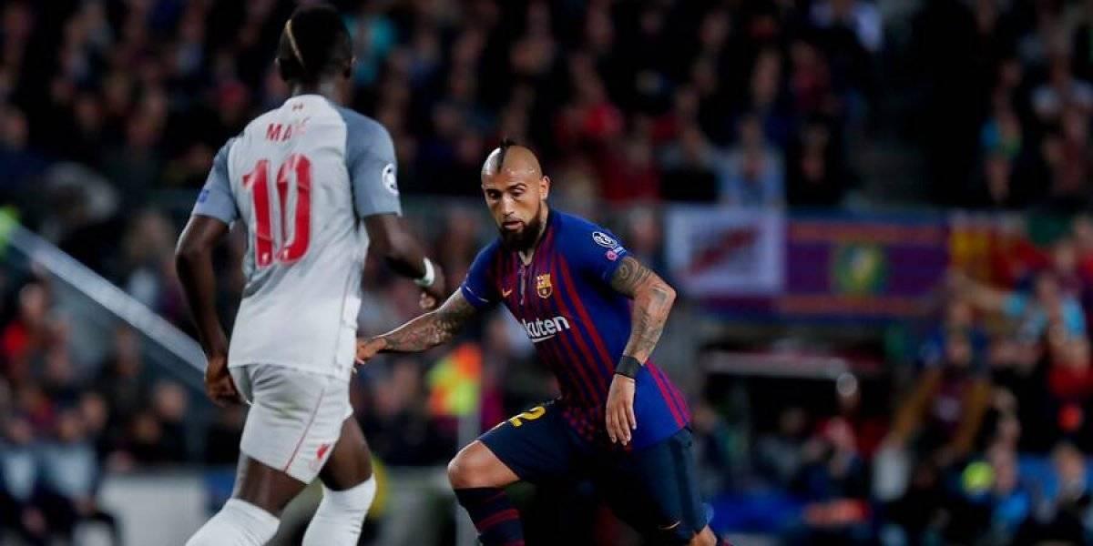 """De ídolo a ídolo: el """"cruce"""" tuitero entre Arturo Vidal y Elías Figueroa tras la Champions"""