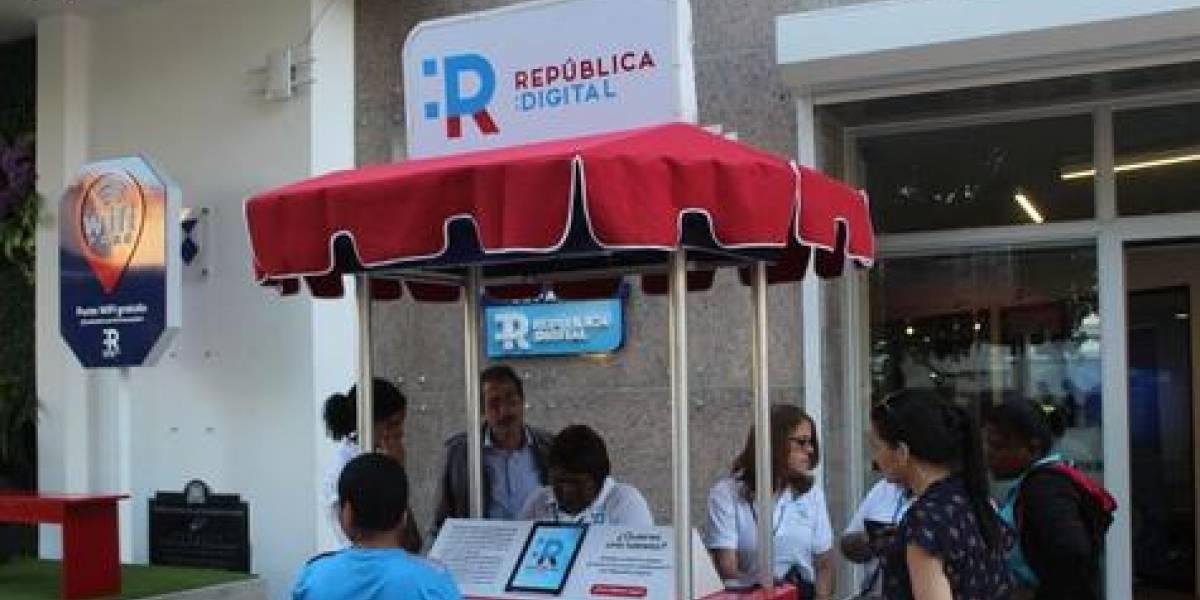 """""""República Digital"""" ofrece servicios en la """"Feria del Libro"""""""