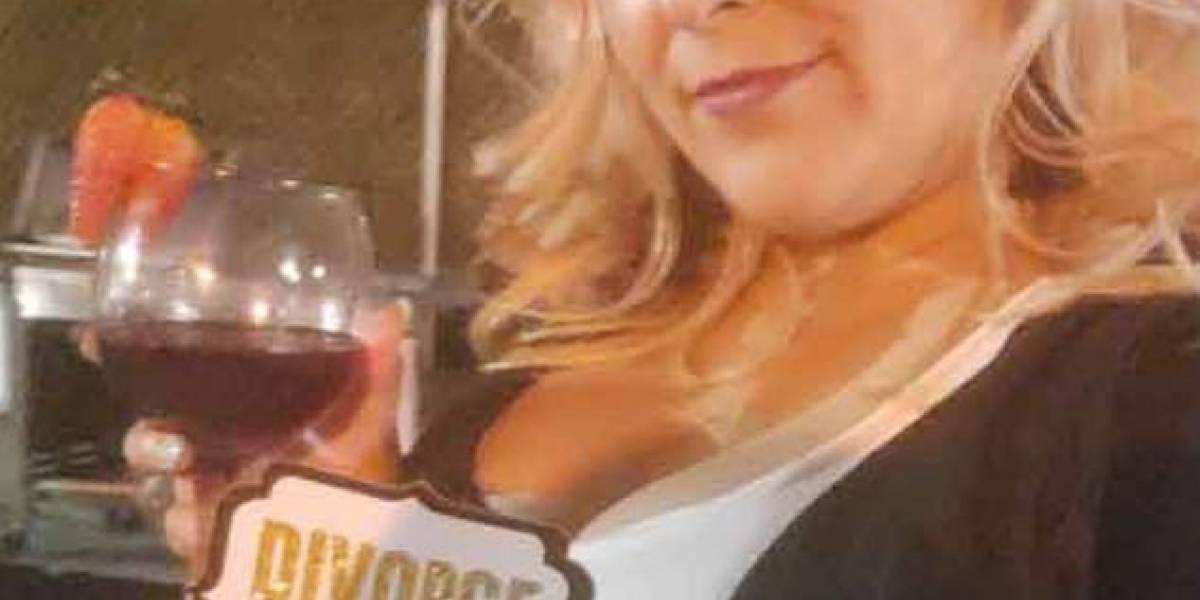 Mulher que passou 7 anos tentando divórcio finalmente deixa marido abusivo e dá festa para comemorar