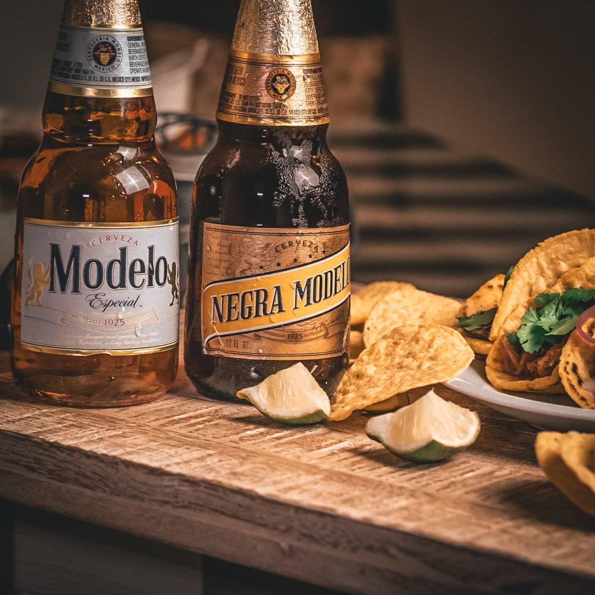 cerveza modelo comida