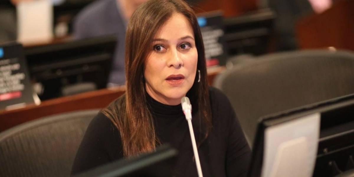 El millonario contrato que favoreció a la senadora que no votó objeciones de la JEP