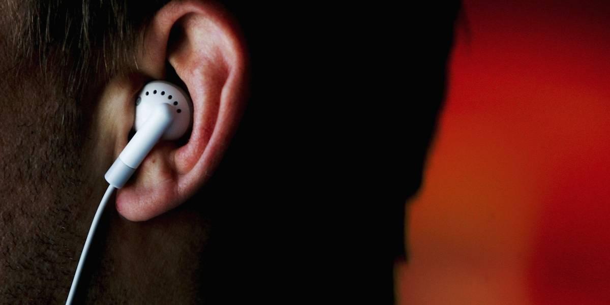 La insólita manera en la que joven se habría tragado uno de sus audífonos