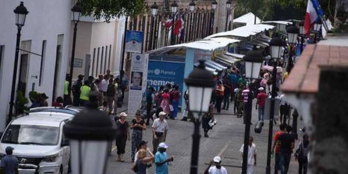 Si quieres ir montado a la Feria del Libro, los parqueos están en Las Atarazanas