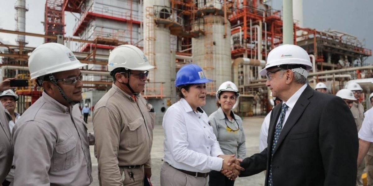 Supervisa AMLO refinería en Cadereyta, Nuevo León