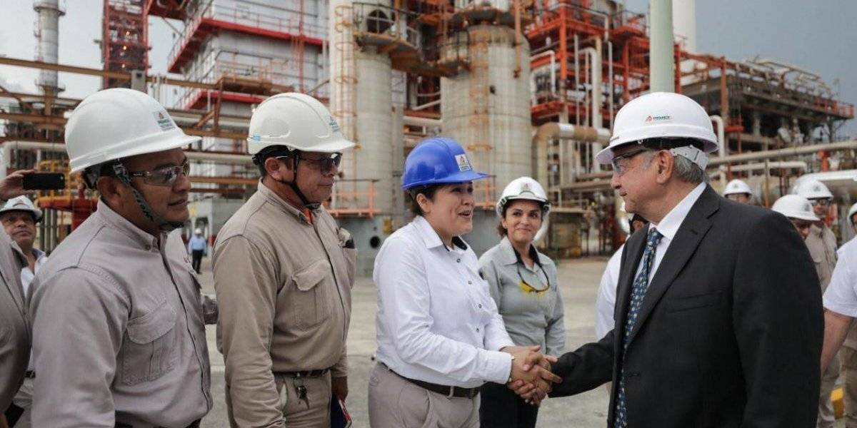 En 2022 habrá autosuficiencia en producción de gasolinas: AMLO