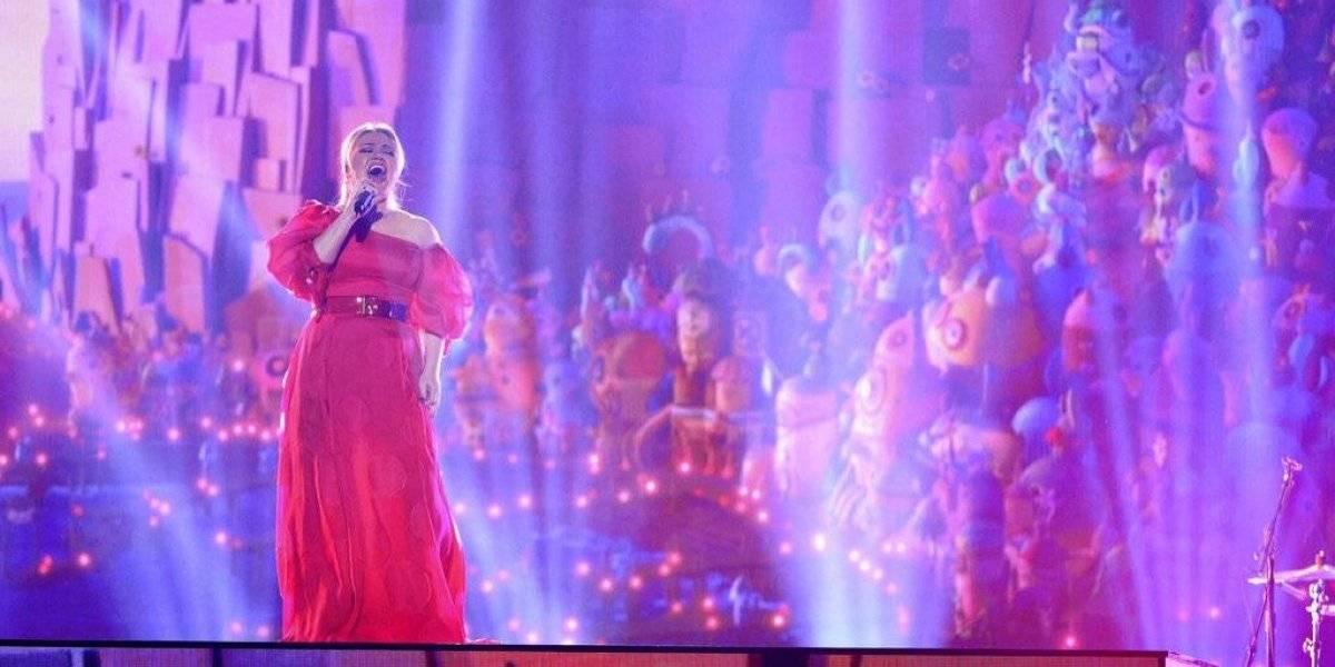 Operan a Kelly Clarkson
