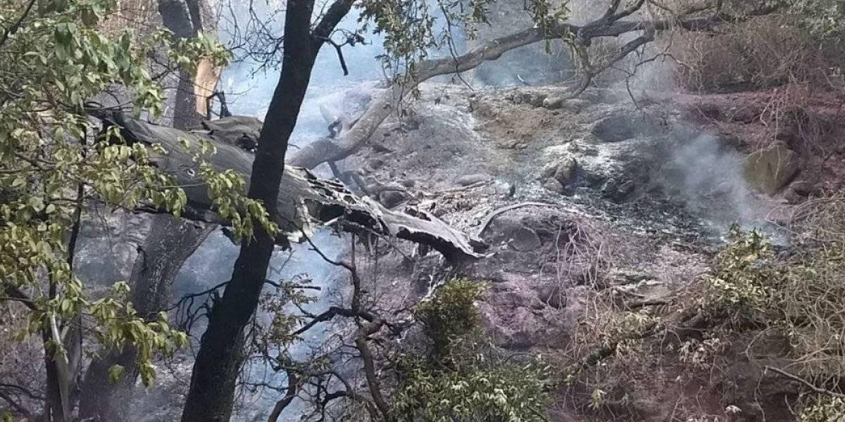 Muere piloto al estrellarse avioneta en Atizapán de Zaragoza