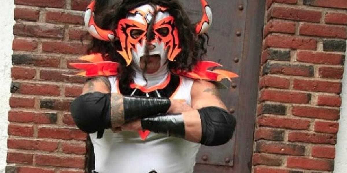 Luchador mexicano salva la vida de promotor tras sufrir terrible accidente
