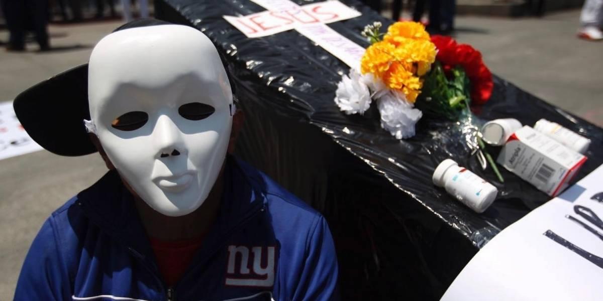 Prevén contagios y muertes por VIH tras falta de medicinas