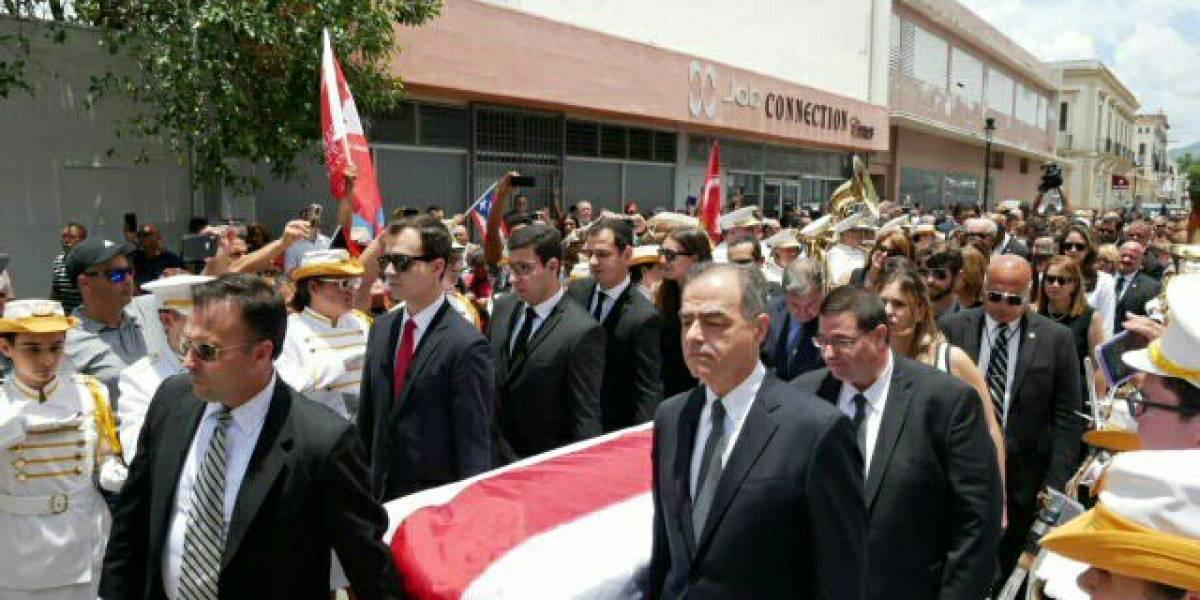 Emotiva despedida al exgobernador Rafael Hernández Colón en Ponce