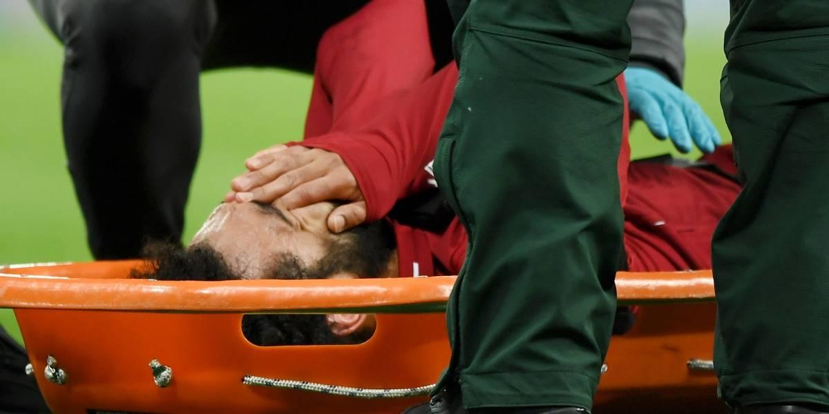 ¡Tú no, Mo! Salah sale del campo llorando y en camilla