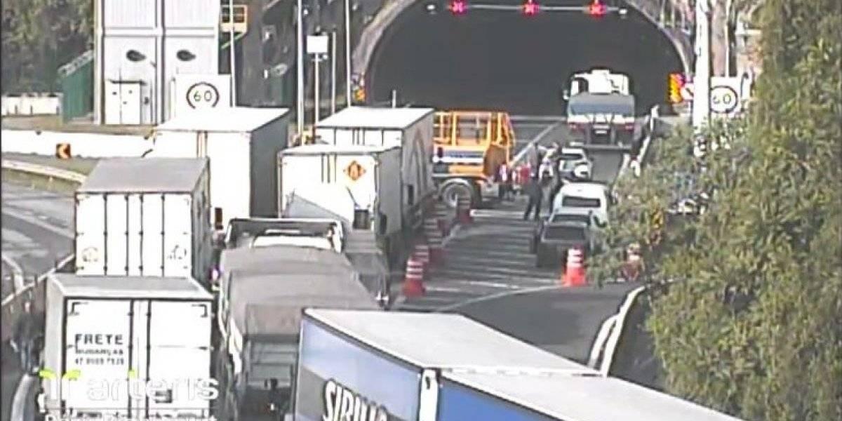 Acidente com quatro veículos causa morte na rodovia Régis Bittencourt