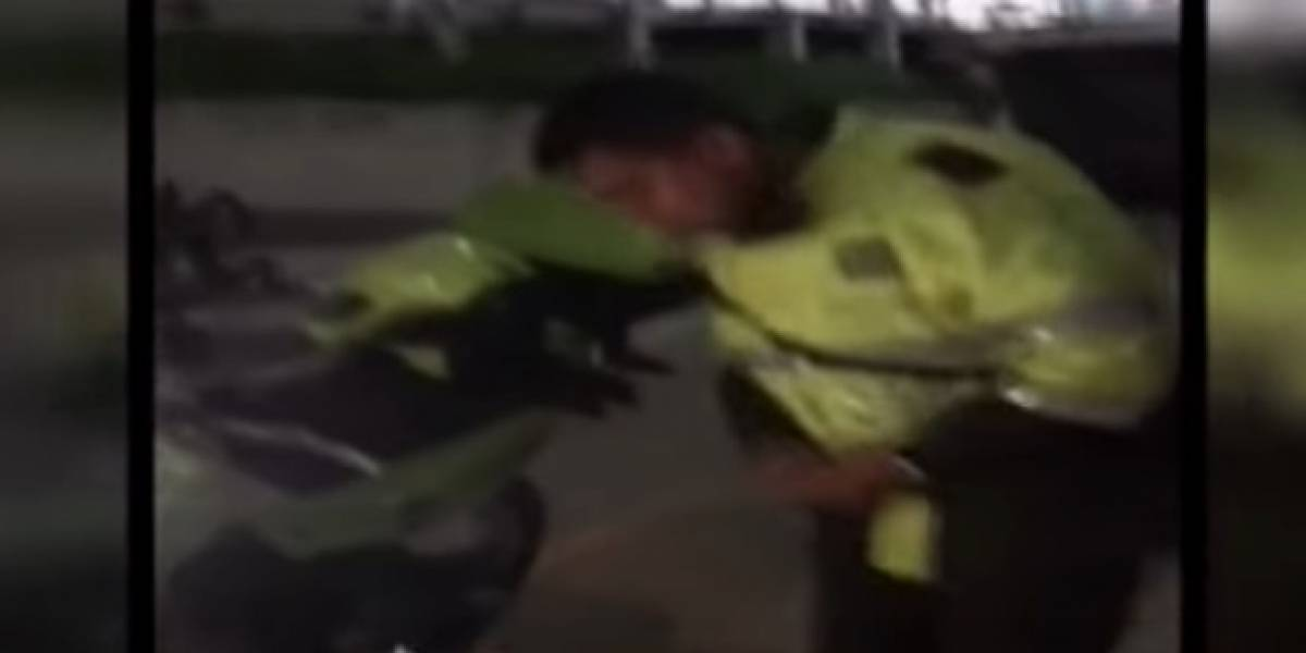 Joven asegura que policías lo golpearon por grabar requisa que le realizaban