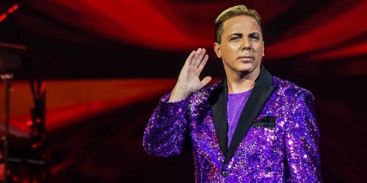 Cristian Castro canta Gallito feliz a ritmo de reguetón