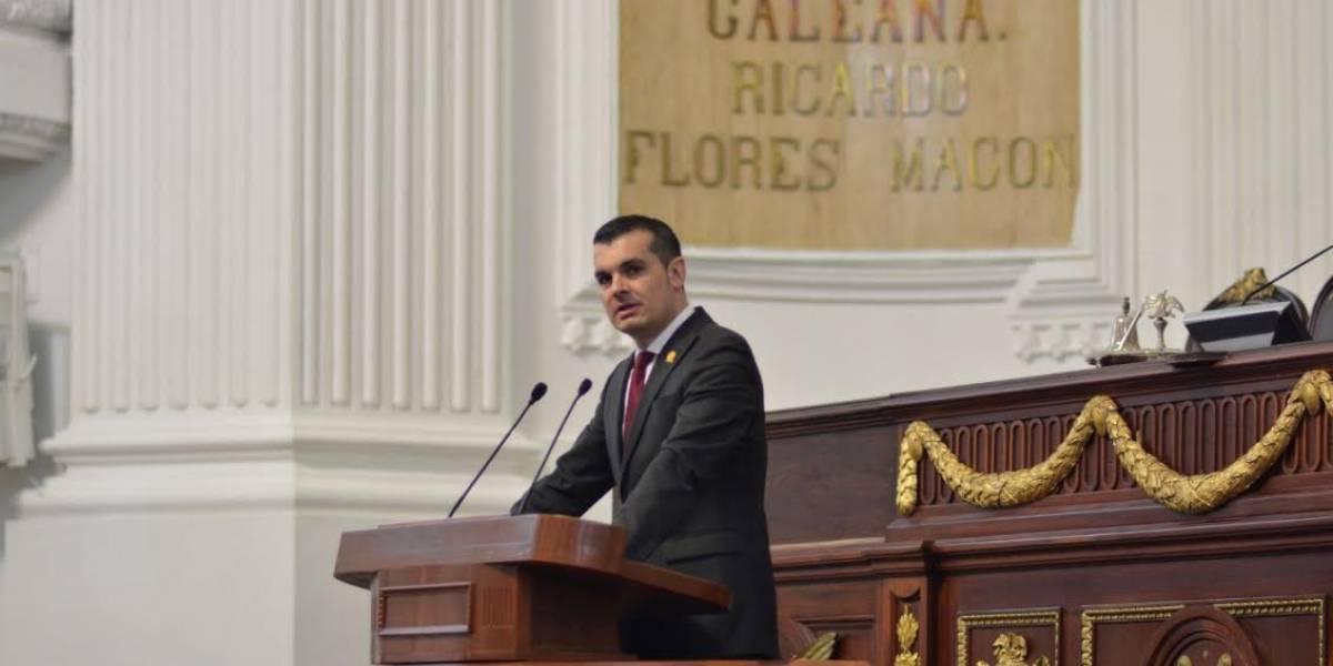 Diputado panista analiza demandar a Beatriz Gutiérrez por desvió de recursos