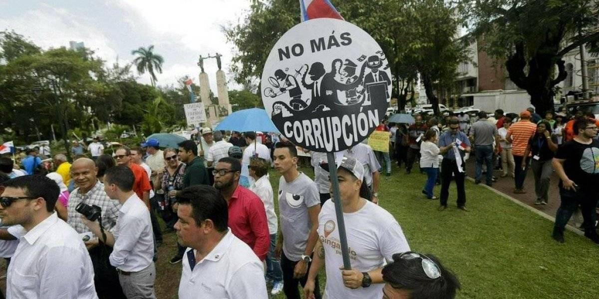 Panamá elige presidente mirando a la corrupción y la economía