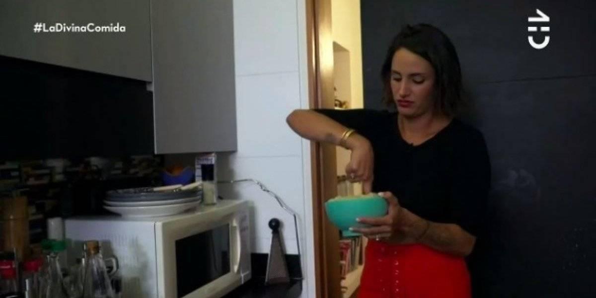 """Isidora Urrejola en su paso por """"La Divina Comida"""": revolvió el puré con el dedo, no le sacó la cáscara a la palta y se quedó sin gas"""
