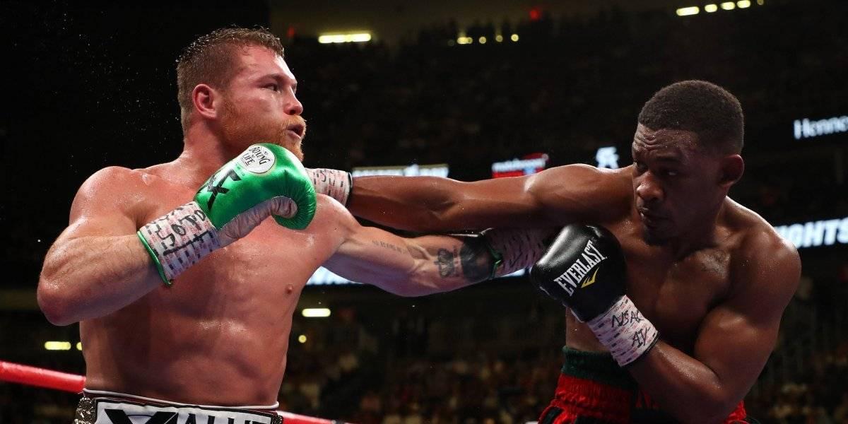Televisa y TV Azteca repitieron el round 8 para retrasar la pelea de Canelo vs. Jacobs