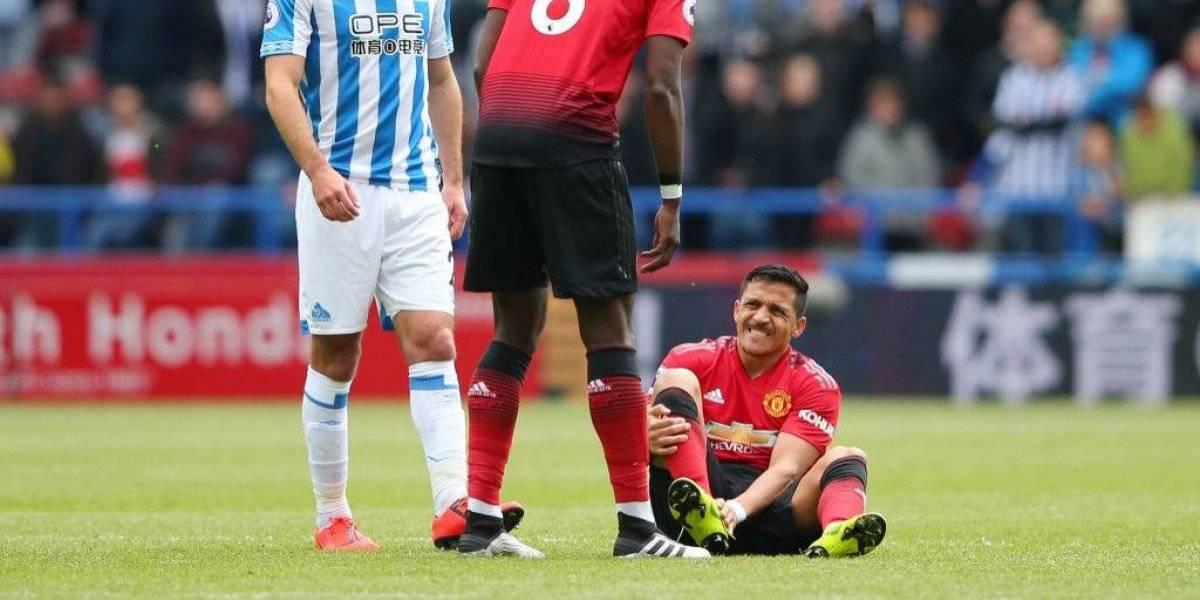 Alerta en la Roja: Alexis Sánchez abandona lesionado en partido del Manchester United
