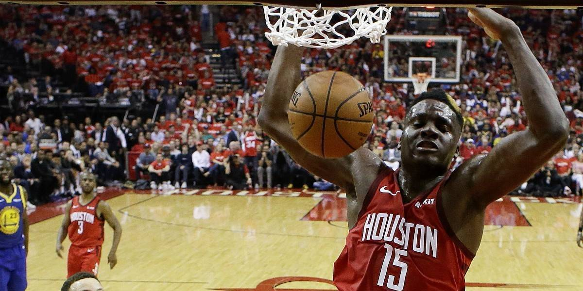 Los Rockets ganan y descuentan en la semifinal del Oeste de la NBA