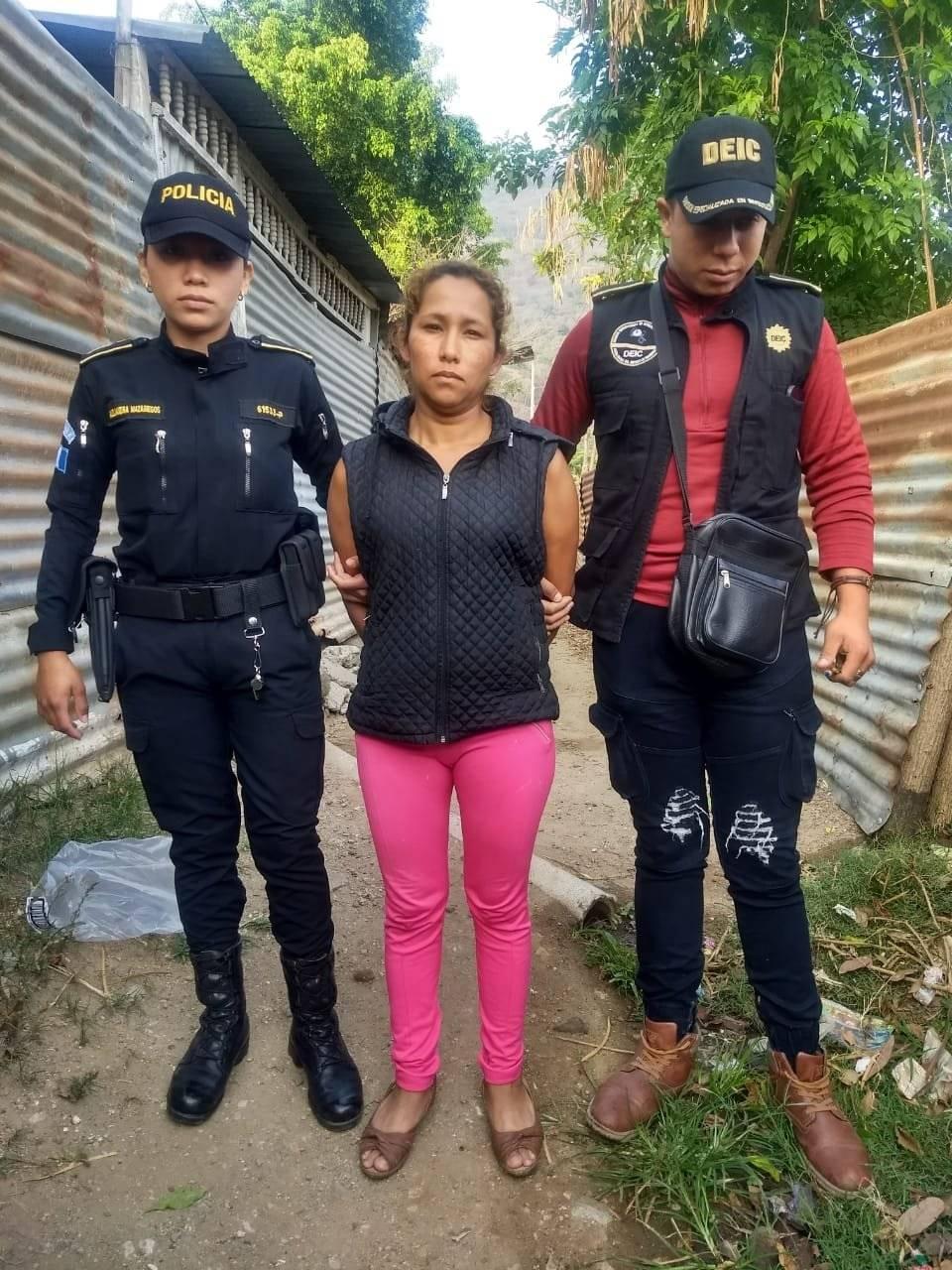 Mujer es capturada por homicidio en Amatitlán