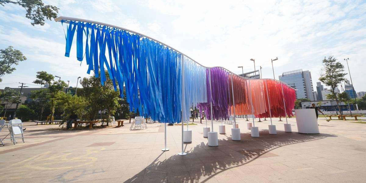 Largo da Batata ganha instalação que convida pedestre a explorar sentidos