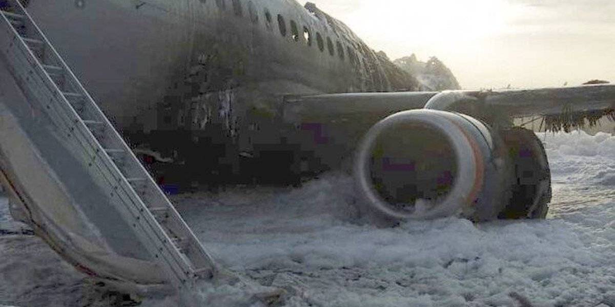 Recuperan las cajas negras del avión incendiado en Moscú