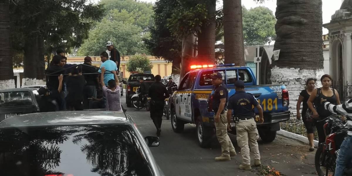 Buscan víctimas tras ataque armado en cementerio General por posible rivalidad entre pandillas