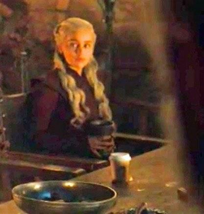 daenerys starbucks