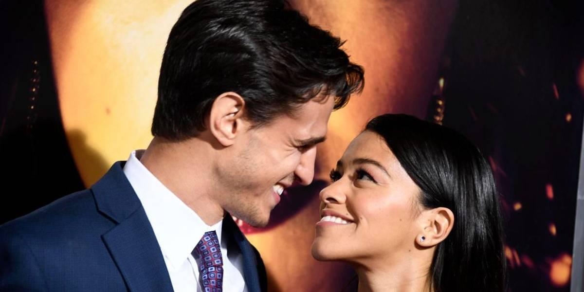 Gina Rodriguez se casa em cerimônia celebrada por colega de Jane the Virgin