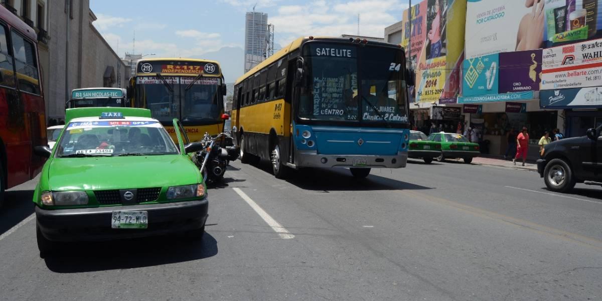 Van por aumento de 2 pesos en tarifa de camiones