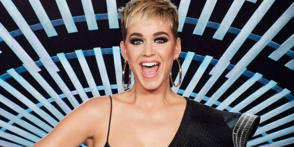 Katy Perry se viste de candelabro para la Met Gala y le llueven los memes