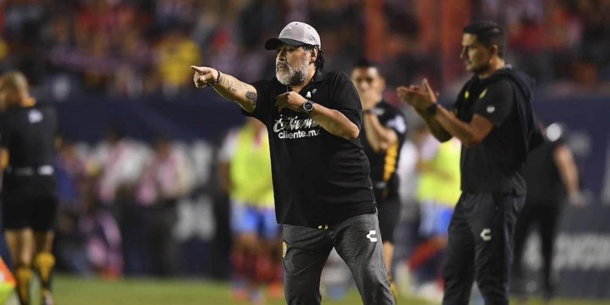 Diego Maradona desea quedarse con los Dorados de Sinaloa