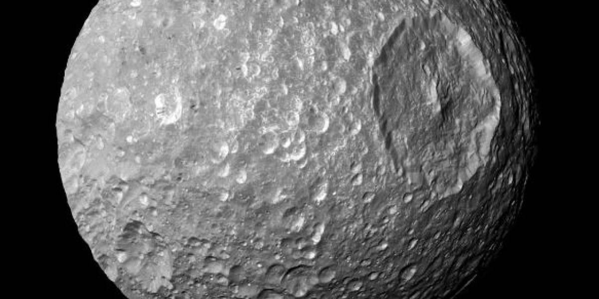 NASA divulga foto da Lua de Saturno captada pela espaçonave Cassini-Huygens