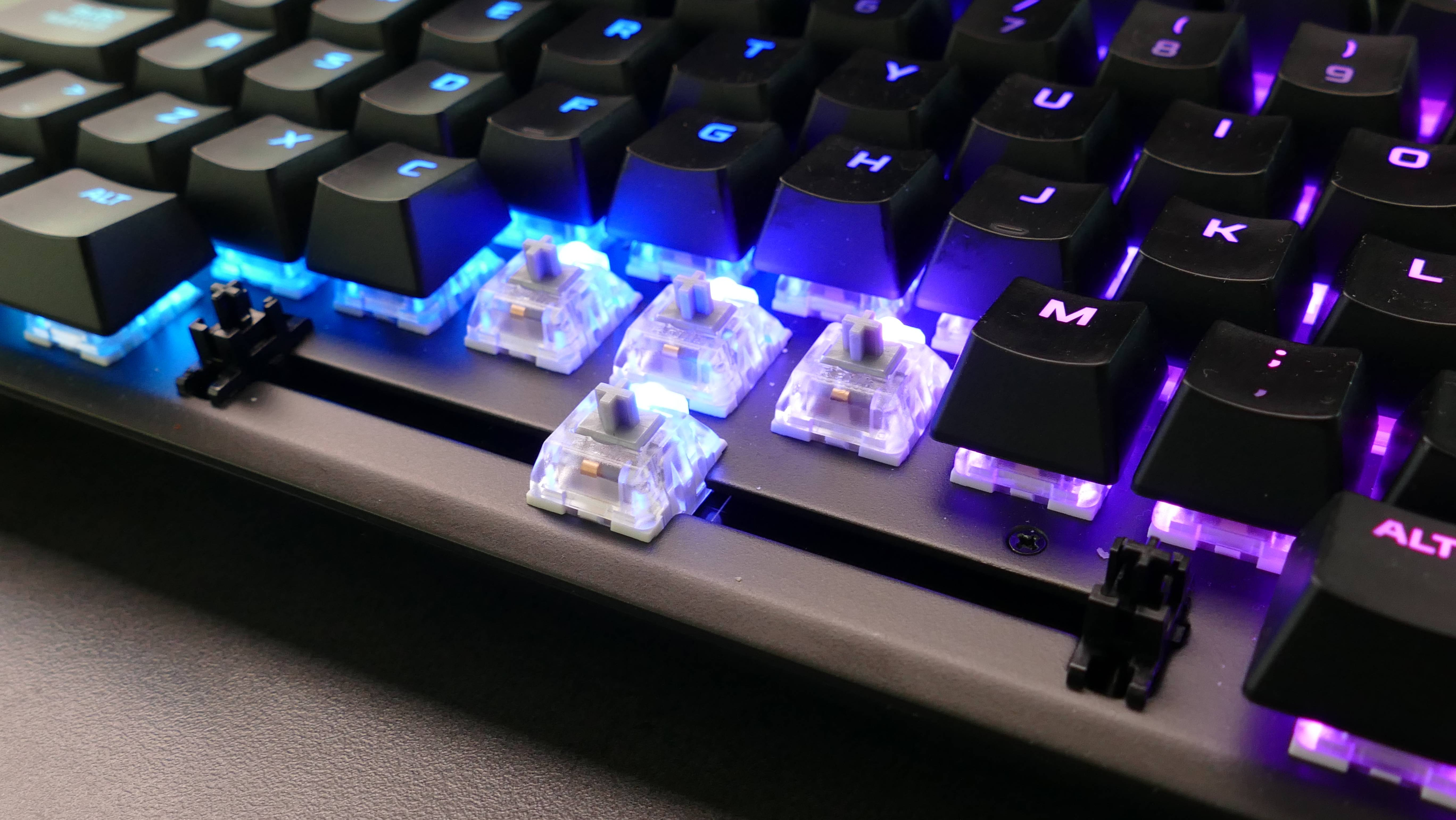 Para deportistas digitales: Review del teclado HyperX Alloy FPS RGB [FW Labs]