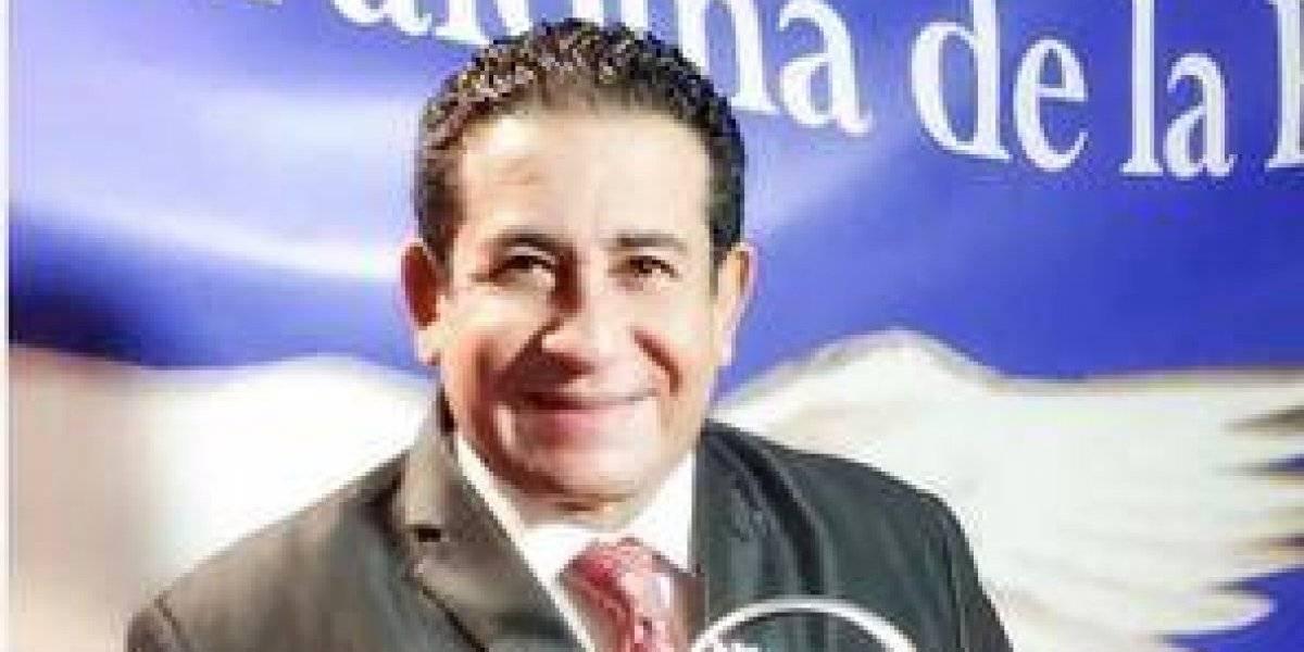 """Sergio Hernández fue reconocido con el premio """"Paloma de la paz"""""""
