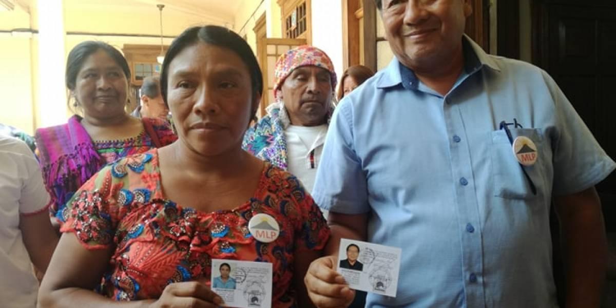 Binomio presidencial del MLP recibe sus credenciales como candidatos