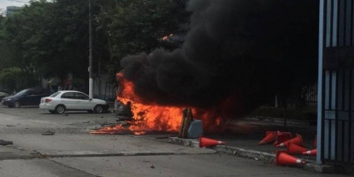 Policía se pronuncia sobre explosión de vehículo en Universidad de Guayaquil