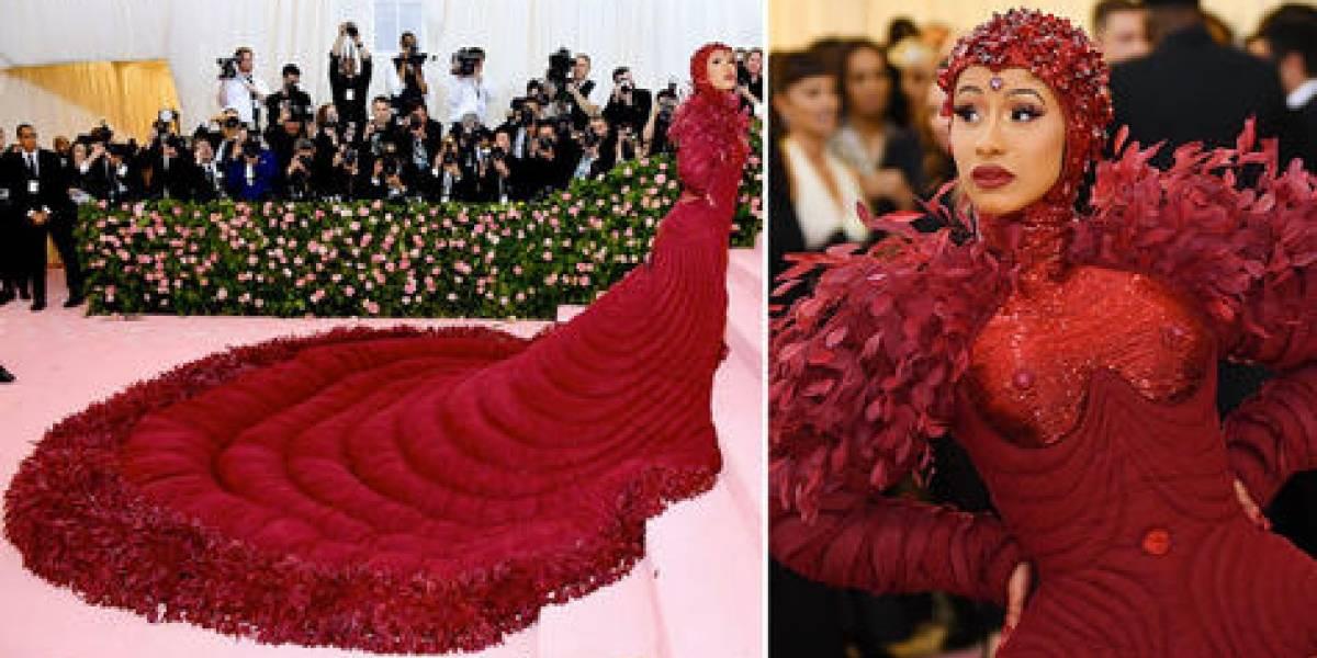 """Cardi B lució impactante vestido rojo en """"Met Gala 2019"""""""
