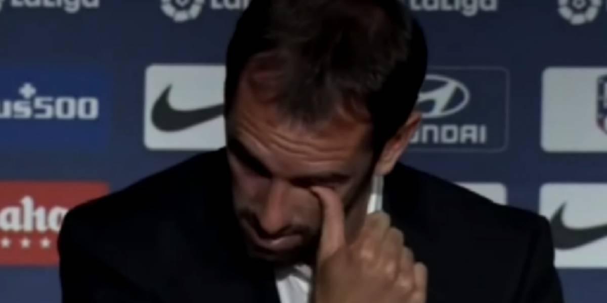 Entre lágrimas, Diego Godín se despide del Atlético de Madrid